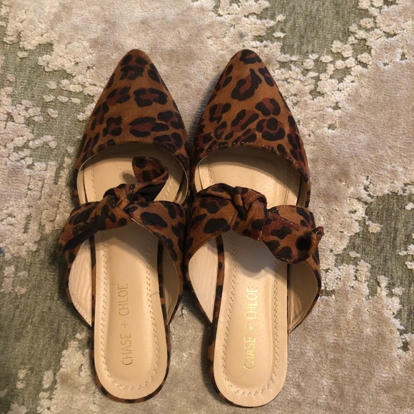Chase + Chloe Shoes - Chase & Chloe Knotted Flat Mule Leopard Print